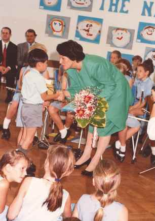 Lady Wilson opening the school in 1992